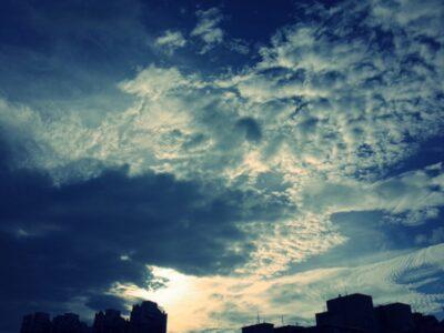 RICOH GRクロスプロセスで撮る台湾・台北の空の写真